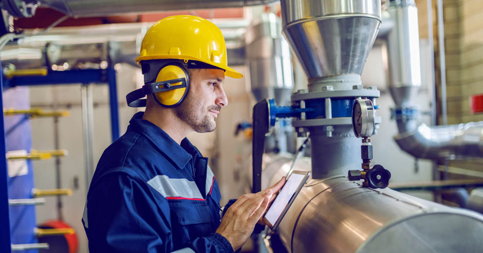 How can SAP Fiori help in developing Apps for Plant Maintenance